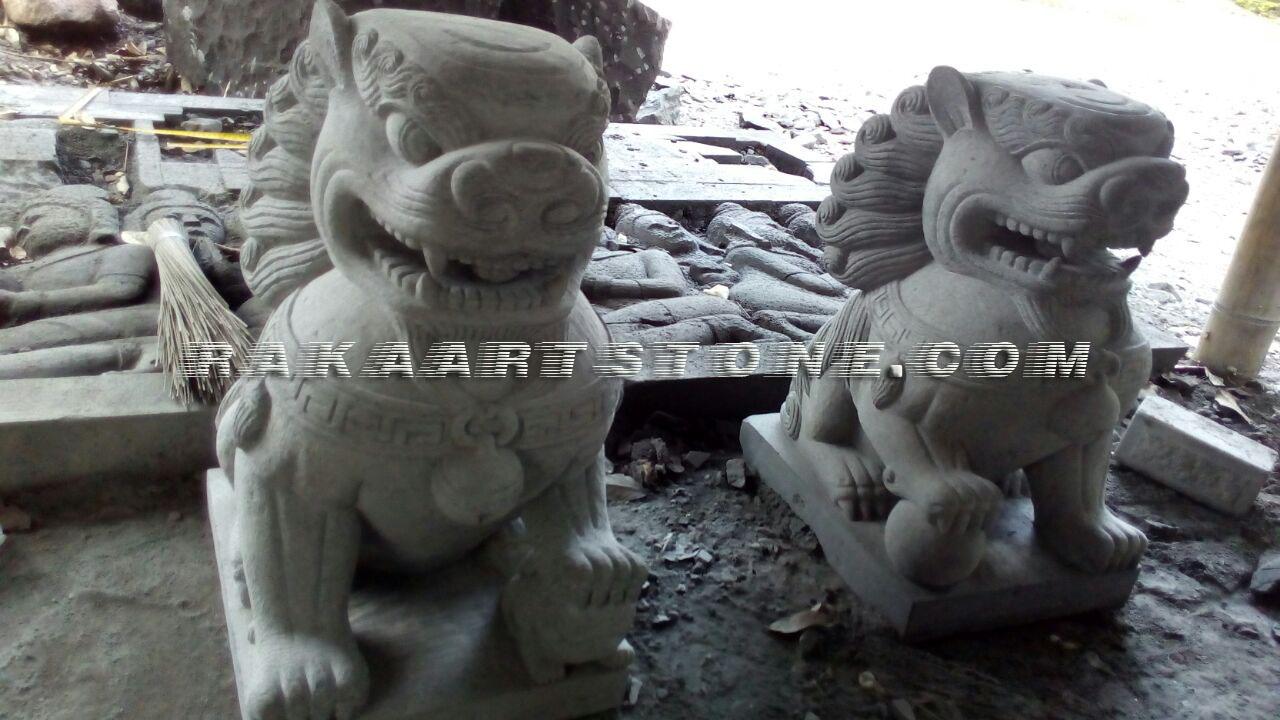 Patung Singa Dari Batu Alam